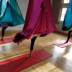 Aerial Flow Yoga Workshop am 5. Mai 2019, 11.00 – 13.00 Uhr