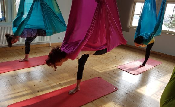 Aerial Flow Yoga Workshop am 27. August 2017 von 11.00 bis 13.00 Uhr.