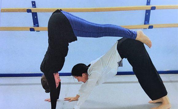 YogaDance vor dem großen Fressen:) mit Lena und Ines am 10. Mai 2020, 10 bis 13 Uhr.